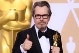 """Бывшая супруга Гэри Олдмена выразила недовольство его """"Оскаром"""", обвинив в насилии"""